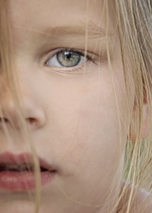 Saskia close-up